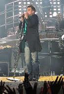 Robbie Williams live - E. Happel Stadion - Sa 19.08.2006 - 75