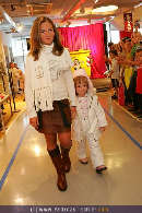 Kindermoden Show - Steffl - Do 24.08.2006 - 41