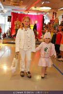 Kindermoden Show - Steffl - Do 24.08.2006 - 42