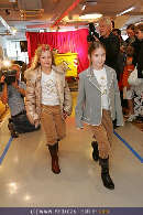 Kindermoden Show - Steffl - Do 24.08.2006 - 54