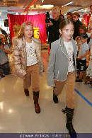 Kindermoden Show - Steffl - Do 24.08.2006 - 57