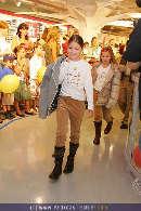 Kindermoden Show - Steffl - Do 24.08.2006 - 59
