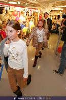 Kindermoden Show - Steffl - Do 24.08.2006 - 60