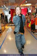 Kindermoden Show - Steffl - Do 24.08.2006 - 72