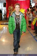 Kindermoden Show - Steffl - Do 24.08.2006 - 75