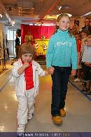 Kindermoden Show - Steffl - Do 24.08.2006 - 78