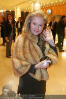 Paris Hilton Ankunft - Hilton Vienna - Mi 14.02.2007 - 3