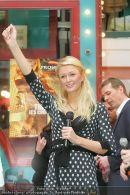 Paris Hilton - Lugner City - Do 15.02.2007 - 31