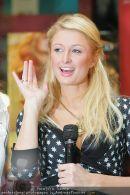 Paris Hilton - Lugner City - Do 15.02.2007 - 5