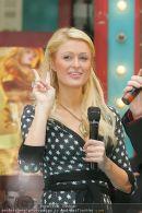 Paris Hilton - Lugner City - Do 15.02.2007 - 9