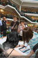 DITA Autogrammstunde - Lugner City - Mi 30.01.2008 - 36