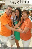 Lugner Shopping - Lugner City - Mo 24.08.2009 - 2