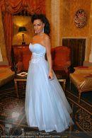 Katie Price Ballrobe - Hotel Imperial - Do 11.02.2010 - 1