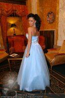 Katie Price Ballrobe - Hotel Imperial - Do 11.02.2010 - 5