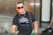 Menowin Ankunft - Flughafen - Mo 10.05.2010 - 1