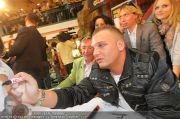 Menowin Autogrammstunde - Lugner City - Mo 10.05.2010 - 14