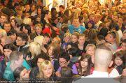 Menowin Autogrammstunde - Lugner City - Mo 10.05.2010 - 24