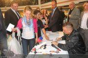 Menowin Autogrammstunde - Lugner City - Mo 10.05.2010 - 42