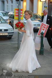 Husslein Maculan Hochzeit - St. Elisabeth Platz - Sa 04.09.2010 - 48