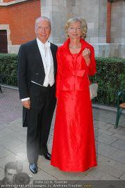 Husslein Maculan Hochzeit - St. Elisabeth Platz - Sa 04.09.2010 - 8