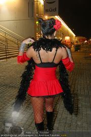 VIPs beim Lady Gaga Konzert - Wiener Stadthalle - Do 11.11.2010 - 21