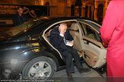 Roger Moore - Flughafen & Sacher - Fr 12.11.2010 - 1
