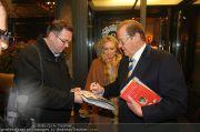 Roger Moore - Flughafen & Sacher - Fr 12.11.2010 - 18