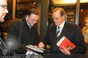 Roger Moore - Flughafen & Sacher - Fr 12.11.2010 - 8
