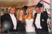 Lugners Ballroben - Brautmoden Stern - Mi 02.02.2011 - 1