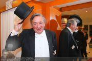 Lugners Ballroben - Brautmoden Stern - Mi 02.02.2011 - 15