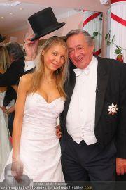 Lugners Ballroben - Brautmoden Stern - Mi 02.02.2011 - 2