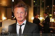 Sean Penn - Sofitel - Di 15.02.2011 - 1