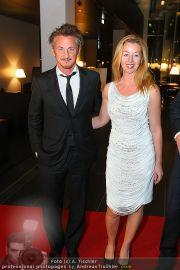 Sean Penn - Sofitel - Di 15.02.2011 - 12