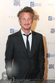 Sean Penn - Sofitel - Di 15.02.2011 - 3