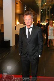 Sean Penn - Sofitel - Di 15.02.2011 - 30