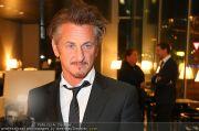 Sean Penn - Sofitel - Di 15.02.2011 - 31