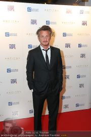 Sean Penn - Sofitel - Di 15.02.2011 - 37