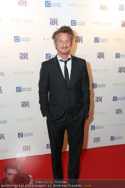 Sean Penn - Sofitel - Di 15.02.2011 - 38