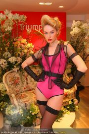 Modenschau - Triumph Store - Di 01.03.2011 - 11