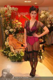 Modenschau - Triumph Store - Di 01.03.2011 - 16