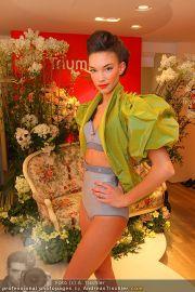 Modenschau - Triumph Store - Di 01.03.2011 - 23