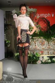 Modenschau - Triumph Store - Di 01.03.2011 - 58