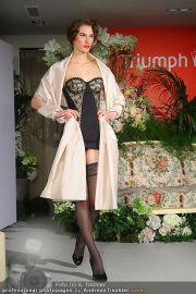 Modenschau - Triumph Store - Di 01.03.2011 - 62