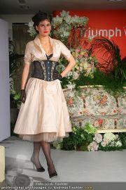 Modenschau - Triumph Store - Di 01.03.2011 - 63