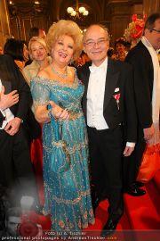 Opernball Red Carpet - Staatsoper - Do 03.03.2011 - 82