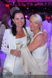 Glamour in White - Casino Velden - Fr 22.07.2011 - 114