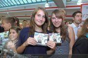 Alexandra Stan - Lugner City - Do 28.07.2011 - 12
