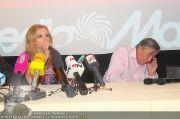 Alexandra Stan - Lugner City - Do 28.07.2011 - 18