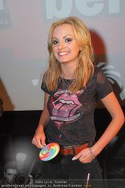 Alexandra Stan - Lugner City - Do 28.07.2011 - 22