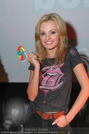 Alexandra Stan - Lugner City - Do 28.07.2011 - 3